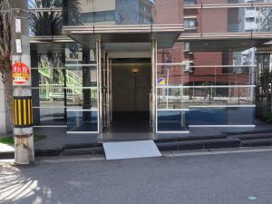 アルバート新大阪ビルエントランス