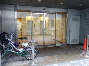 京阪神安土町ビルエントランス