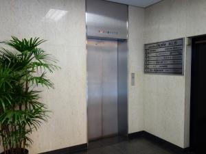中之島岡田ビルエレベーター