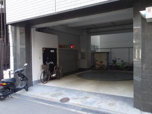 中之島岡田ビル立体駐車場