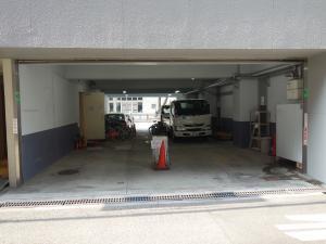 ウツボパークビル駐車場