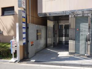 エステート新大阪ビルエントランス