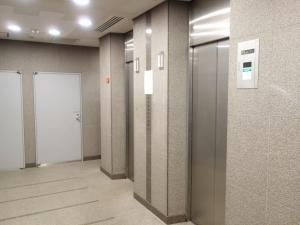 四ツ橋パークビルエレベーター