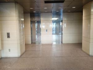 カーニープレイス本町ビルエレベーター