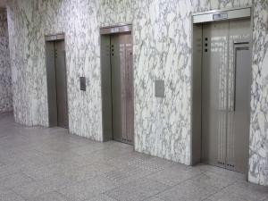 大阪豊田ビルエレベーター