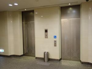 岩田東急ビルエレベーター
