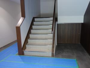 松尾ビル階段