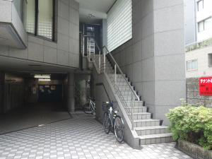 CCTビル2階専用階段