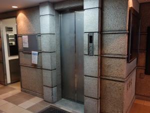 本町橋ビルエレベーター