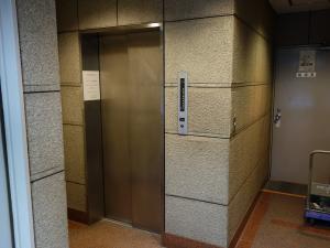 淡路町ビルエレベーター