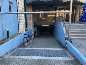 江坂ビジネスゾーンビル駐車場