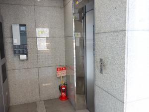 SURE西心斎橋ビルエレベーター