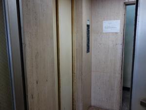 布亀ビルエレベーター