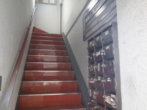 日宝西長堀ビル階段
