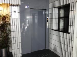 アクトセンバビルエレベーター