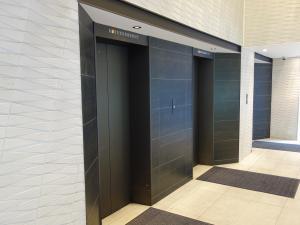 グルカスシティビルエレベーター