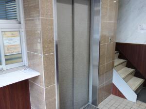 大城ビルエレベーター