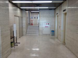 大阪弁護士ビルエントランスホール