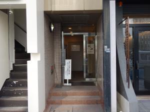 AXIS本町ビル別館エントランス