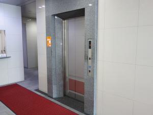 MF西梅田ビルエレベーター