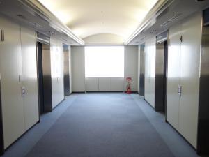 コスモプラザビルエレベーターホール