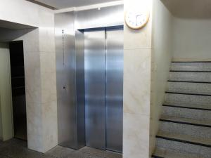 梅田エステートビルエレベーター