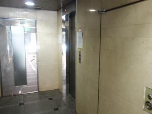 六甲桜川ビルエレベーター