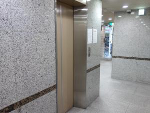 大和本町ビルエレベーター