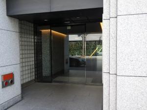 新大阪ビルディングエントランス