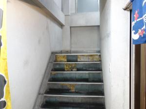 日宝四ツ橋中央ビル階段