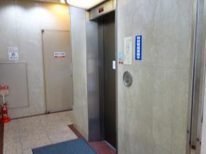 三栄御堂筋ビルエレベーター