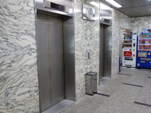辰巳ビルエレベーター