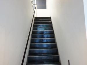ライフ&デザイン南船場ビル階段