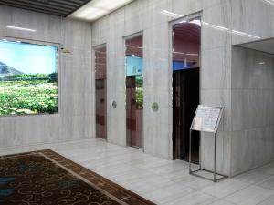 新大阪グランドビルエレベーター