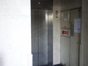 天満橋センタービルエレベーター