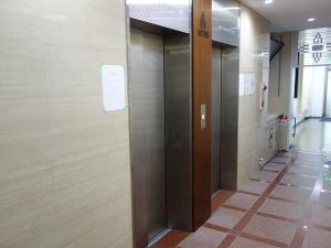アストロ新大阪ビルエレベーター2基