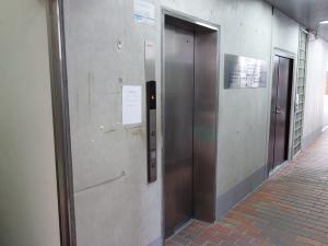 大阪司法ビルエレベーター