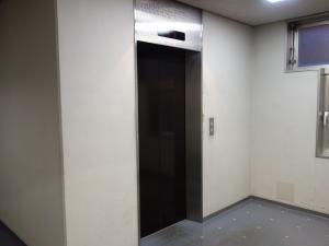 プレシデントビルエレベーター