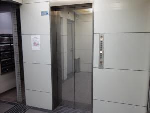 オクタス西天満ビルエレベーター