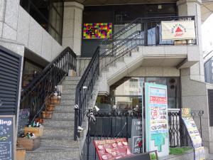 NLC新大阪6号館ビル2階専用階段