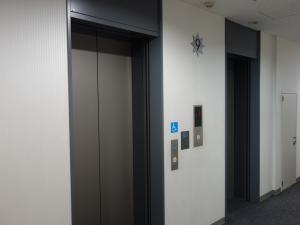 マルイト南堀江パロスビルエレベーター