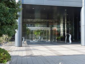 セントラル新大阪ビルエントランス
