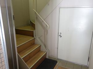 末広ビル階段