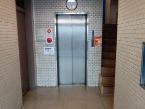 堀江東栄ビルエレベーター