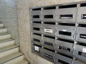 植田2号館ビル郵便ポスト