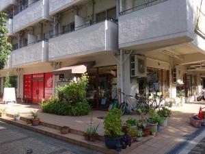 ビジネス新大阪ビル1階店舗