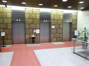 大阪ディーアイシービル(大阪DICビル)エレベーター