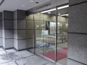 新大阪八千代ビル別館エントランス