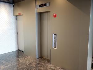 天満パークビルエレベーター