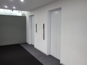 淀屋橋KAKENビルエレベーター